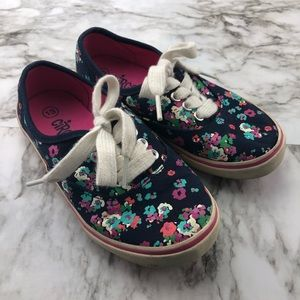 Circo Floral Canvas Lace Up Sneakers Girls 13